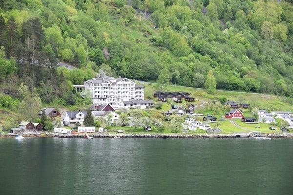 14_Hotel-Campingplatz-Geirangerfjord-Norwegen