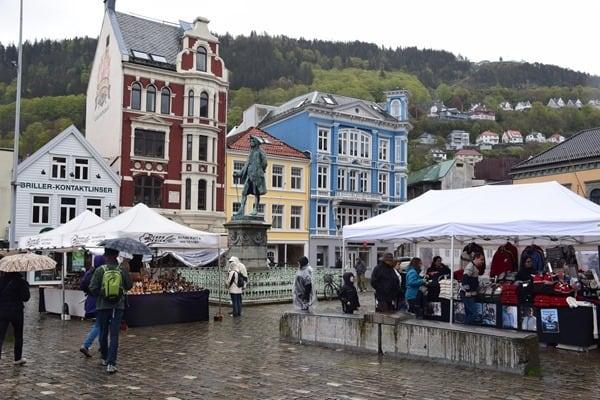 23_Marktplatz-Bergen-Norwegen