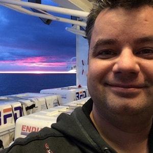 41_Selfie-Kreuzfahrtblogger-Daniel-Dorfer-MSC-Sinfonia-Nordsee-Sonnenuntergang