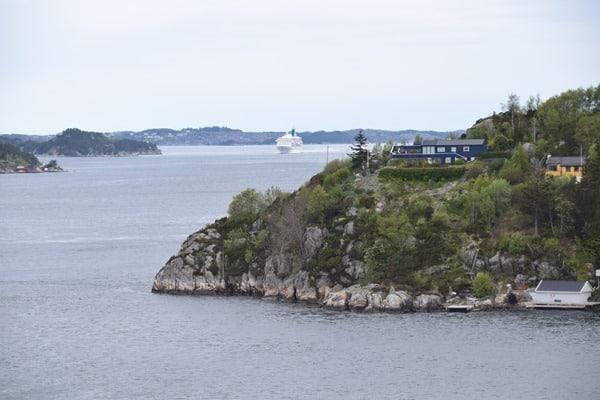 95_Einlaufen-Bergen-Norwegen-Fjord-MS-Artania