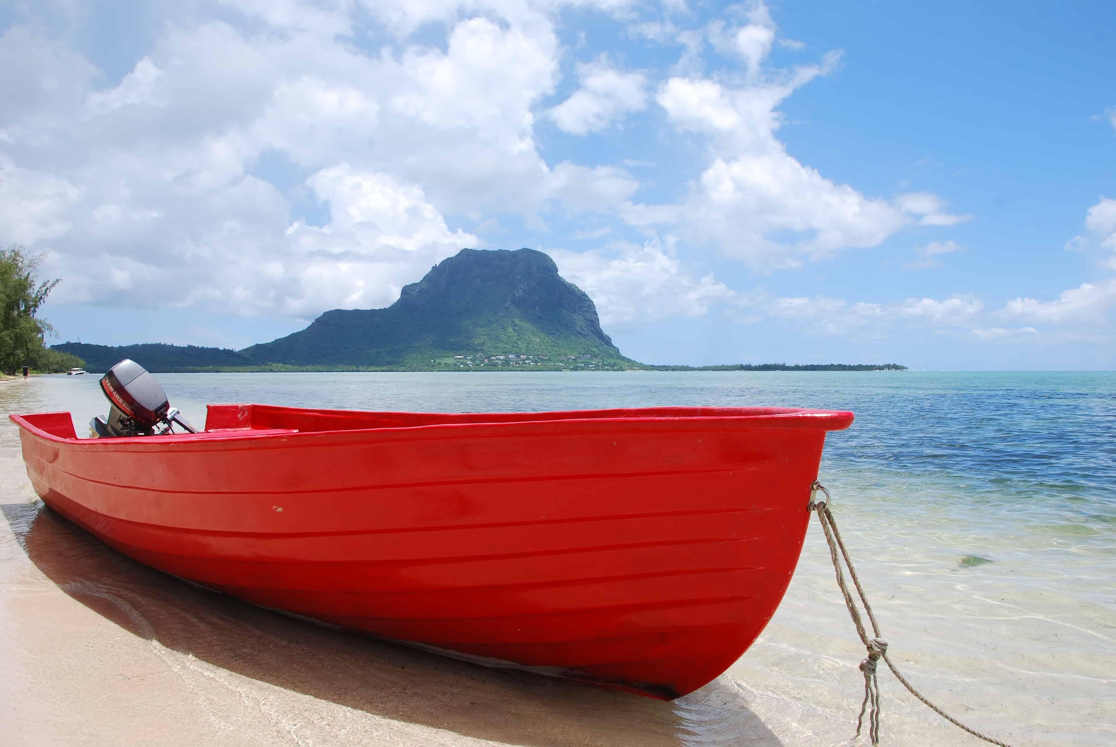 00 Le Morne Brabant Ile aux Benitiers Delfin Tour Mauritius
