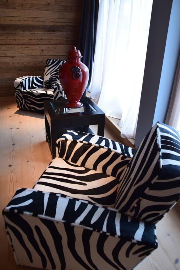 10_Designer-Moebel-Master-Suite-Penthouse-Kempinski-Hotel-Das-Tirol-Kitzbuehel