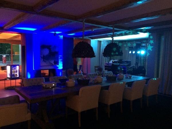 17_Party-im-Esszimmer-Penthouse-Suite-Kempinski-Hotel-Das-Tirol-Kitzbuehel