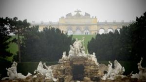 00_Neptunbrunnen-Gloriette-Schloss-Schoenbrunn-Wien-Oesterreich