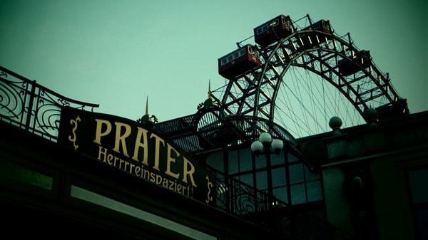 03_Prater-Eingang-Hereinspaziert-Riesenrad-Wien-Oesterreich