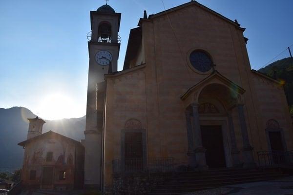 01_Kirche-Lezzeneo-Comer-See-Italien-Sonnenaufgang