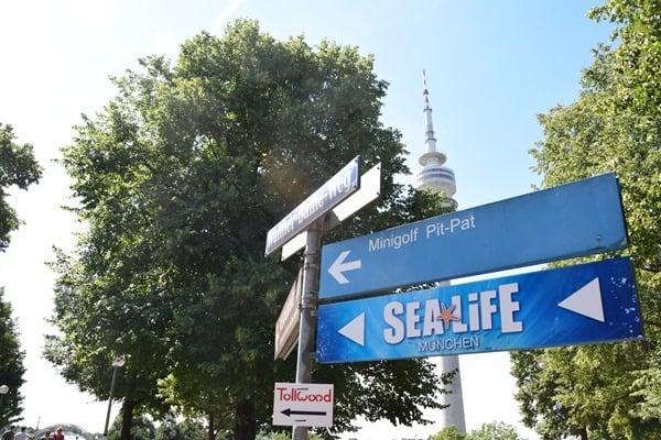 Wegweiser SeaLife Muenchen Olympiapark