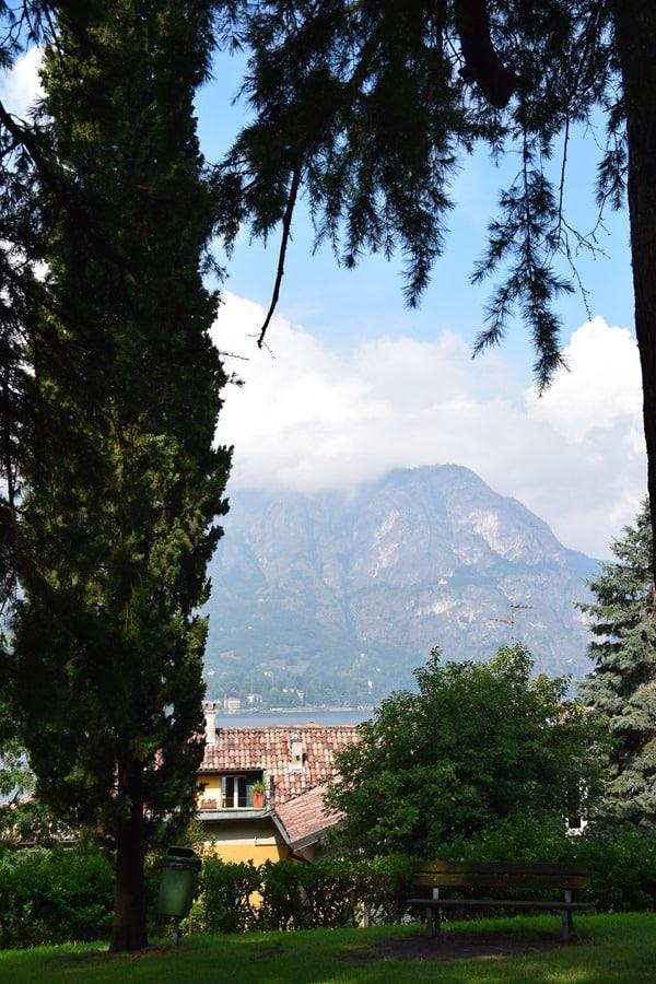 09_Blick-aus-dem-Parco-Martiri-Della-Liberta-Bellagio-Comer-See