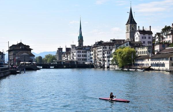 10_Kajak-Limmat-Zuerich-Schweiz
