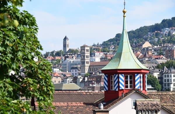 12_Blick-auf-Zuerich-Schweiz