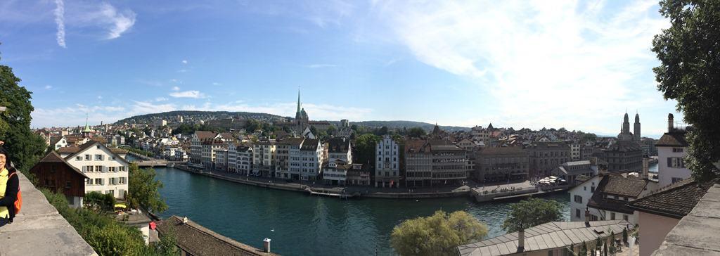 Panorama Zürich Sehenswürdigkeiten Schweiz Limmat Lindenhof