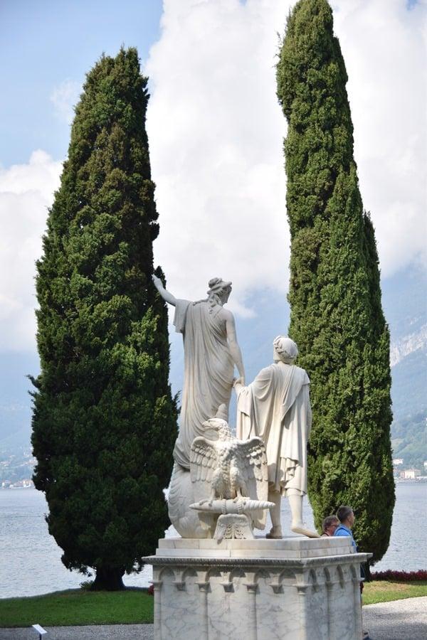 14_Statue-im-Garten-Villa-Melzi-Bellagio-Comer-Italien
