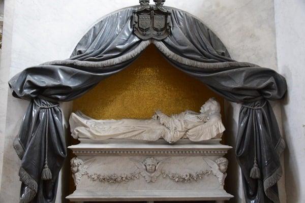 18_Grab-Kapelle-Villa-Melzi-Bellagio-Comer-Italien
