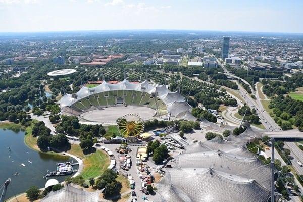 Blick vom Olympiaturm Olympiapark Muenchen