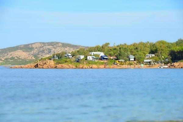 Kraft tanken am strand von tanca manna auf sardinien for Campingplatze sardinien