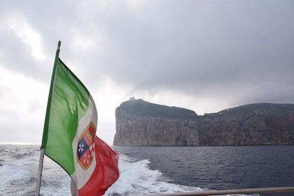 10_Bootsfahrt-von-Alghero-zur-Grotta-die-Nettuno-Neptunsgrotte-Sardinien-Italien