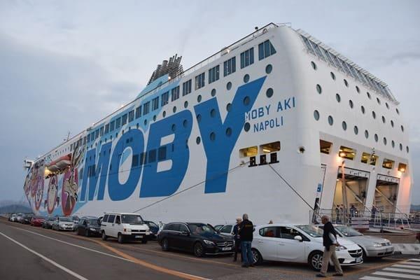 24_Faehre-Moby-Aki-Hafen-Olbia-Sardinien-Italien