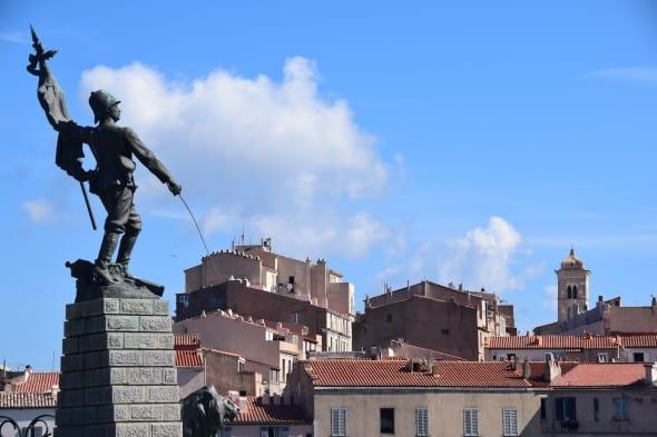00_Bonifacio-Korsika-Frankreich-590×393