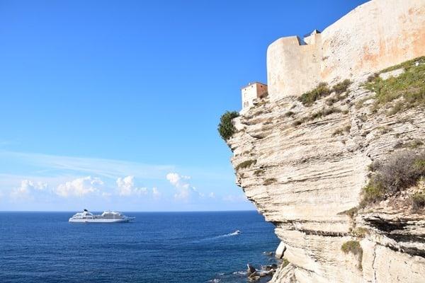 04_Seabourn-Sojourn-vor-Festung-Bonifacio-Korsika-Frankreich