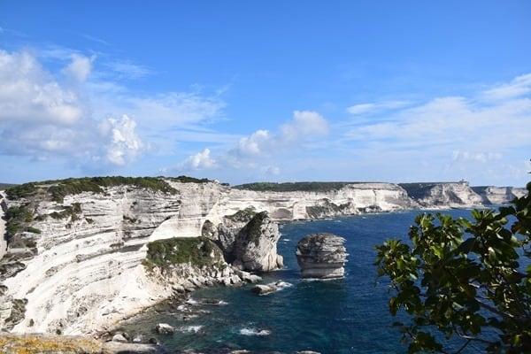 05_Kalksteinklippen-vor-Bonifacio-Korsika-Frankreich