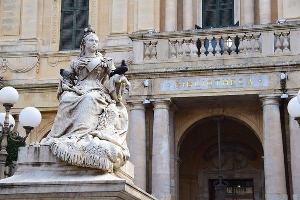 15_Republic-Square-Valletta-Malat