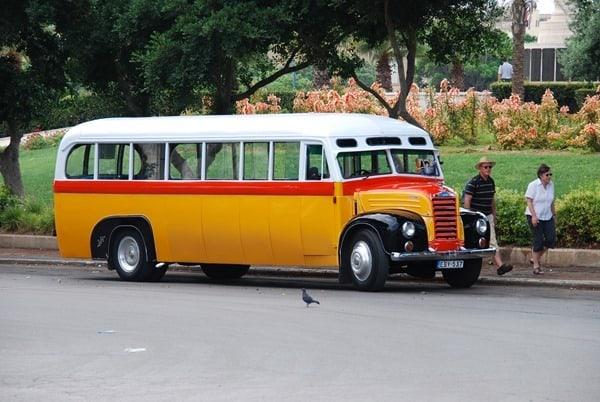 26_typischer-Oldtimer-Bus-Valletta-Malta