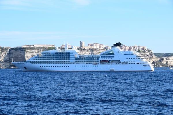 27_Cruiseship-Seabourn-Sojourn-Bonifacio-Corsica-France