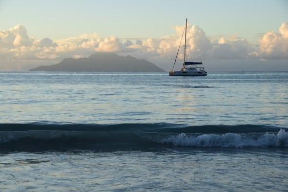 00_Seychellen-Mahe-Katamaran-Sonnenuntergang