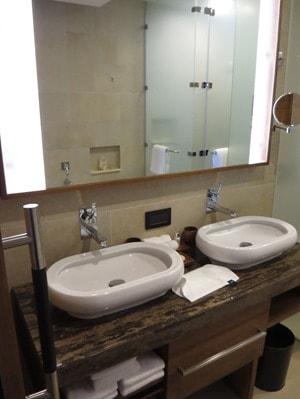 11_Badezimmer-Hotelzimmer-Hotel-Savoy-Resort&SPA-Beau-Vallon-Mahe-Seychellen