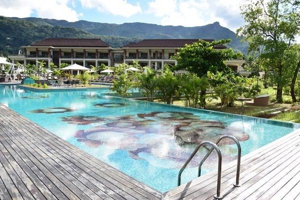 12_Hotelpool-Hotel-Savoy-Resort&SPA-Beau-Vallon-Mahe-Seychellen