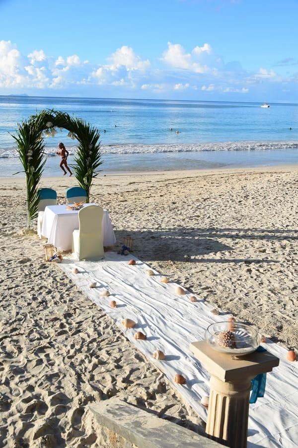 22_Hochzeit-Strand-Beau-Vallon-Mahe-Seychellen