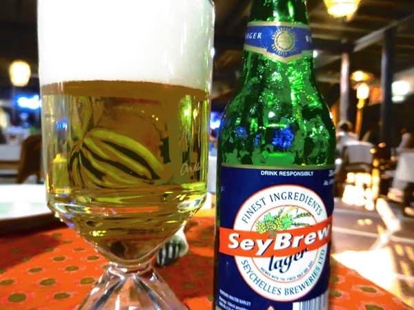 28_lokales-Bier-SeyBrew-Beau-Vallon-Mahe-Seychellen
