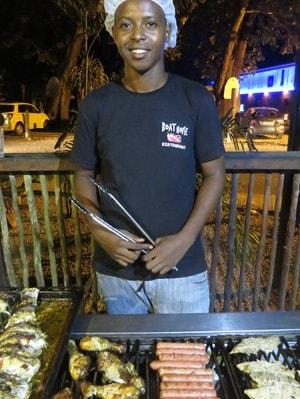 29_Grill-Kreolisches-Restaurant-Boat-House-Beau-Vallon-Mahe-Seychellen