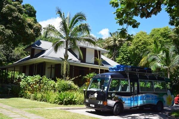 09_Creole-Travel-Services-Bus-Rum-Destille-Bar-Restaurant-La-Plane-St.-Andre-Mahe-Seychellen