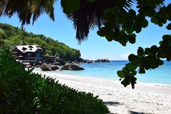 10_Anse-Takamaka-Chez-Batista-Mahe-Seychellen