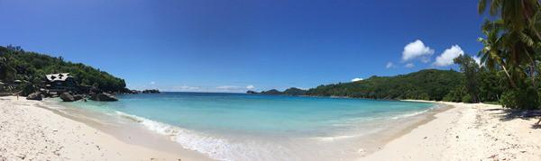 13_Panorama-Traumstrand-Anse-Takamaka-Chez-Batista-Mahe-Seychellen