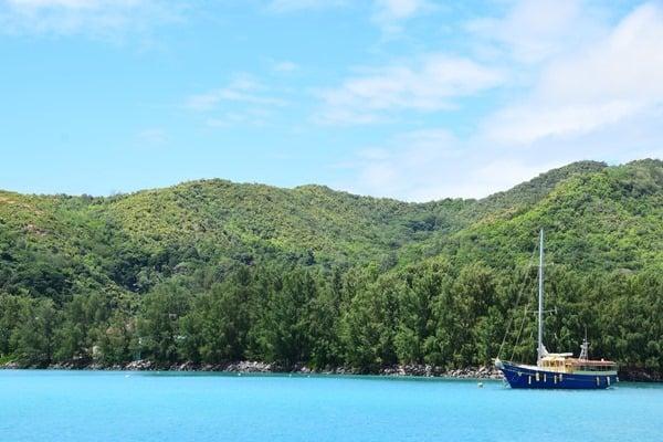 16_Ankunft-Praslin-Seychellen-Segelboot