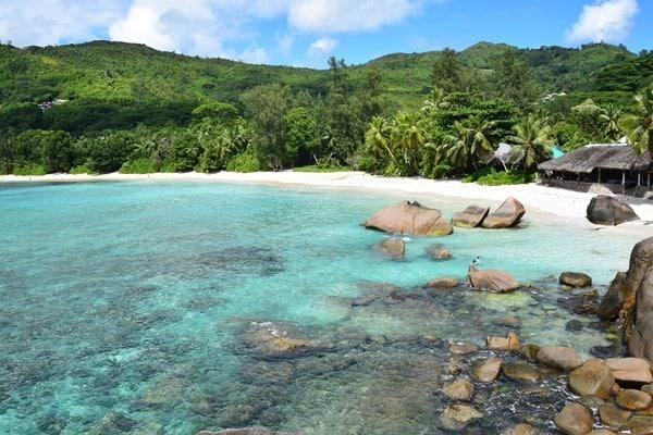 17_Strand-Anse-Takamaka-Mahe-Seychellen