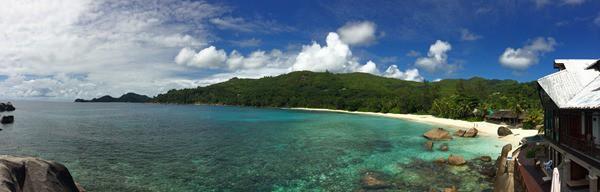 18_Panorama-Traumstrand-Anse-Takamaka-Chez-Batista-Mahe-Seychellen