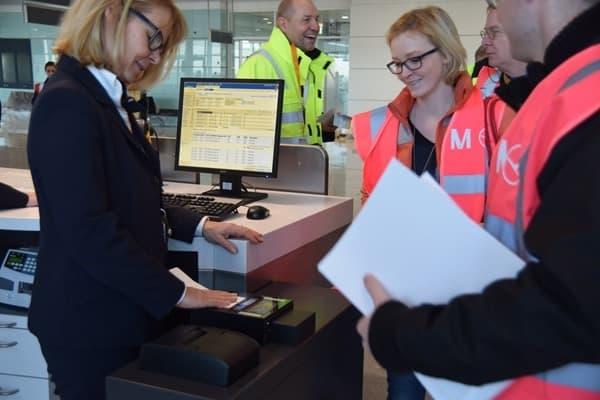 21_Probebetrieb-Satellit-Terminal-2-Flughafen-Muenchen-Boarding