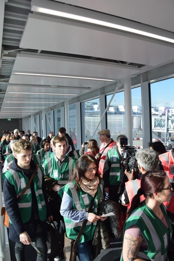 23_Probepassagiere-Probebetrieb-Satellit-Terminal-2-Flughafen-Muenchen