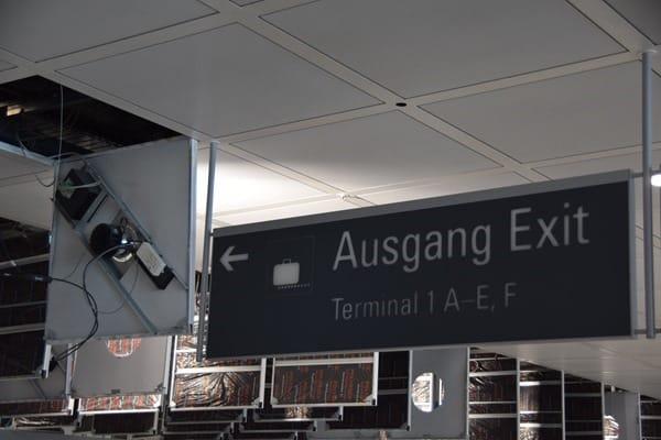 27_Probebetrieb-Satellit-Terminal-2-Flughafen-Muenchen-Ausgang