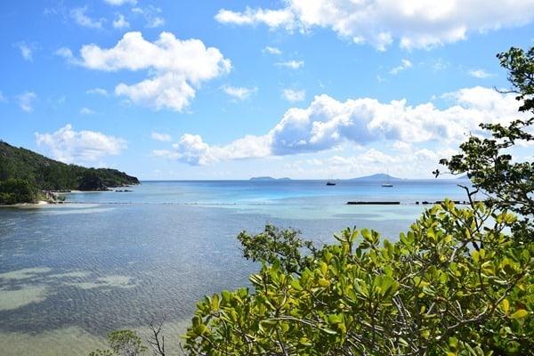 17_Ausblick-beim-Wandern-im-Naturschutzgebiet-Marine-National-Park-Curieuse-Seychellen