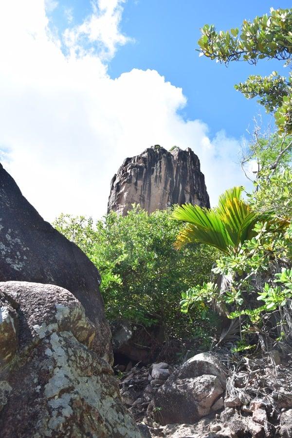 18_Ausblick-beim-Wandern-im-Naturschutzgebiet-Marine-National-Park-Curieuse-Seychellen