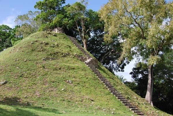 05_Altun-Ha-Maya-Stufenpyramide-Belize
