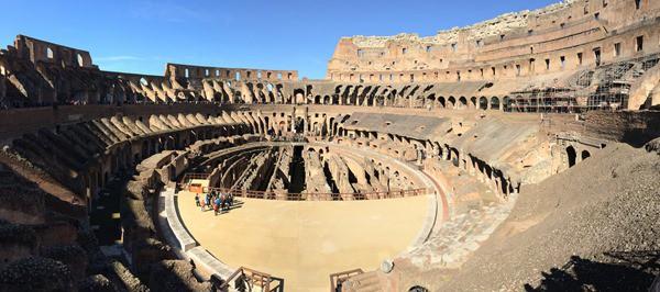 07_Panorama-im-Koloseum-Rom-Italien