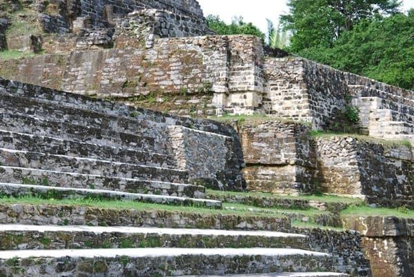 09_Stufen-Maya-Tempel-Altun-Ha-Belize