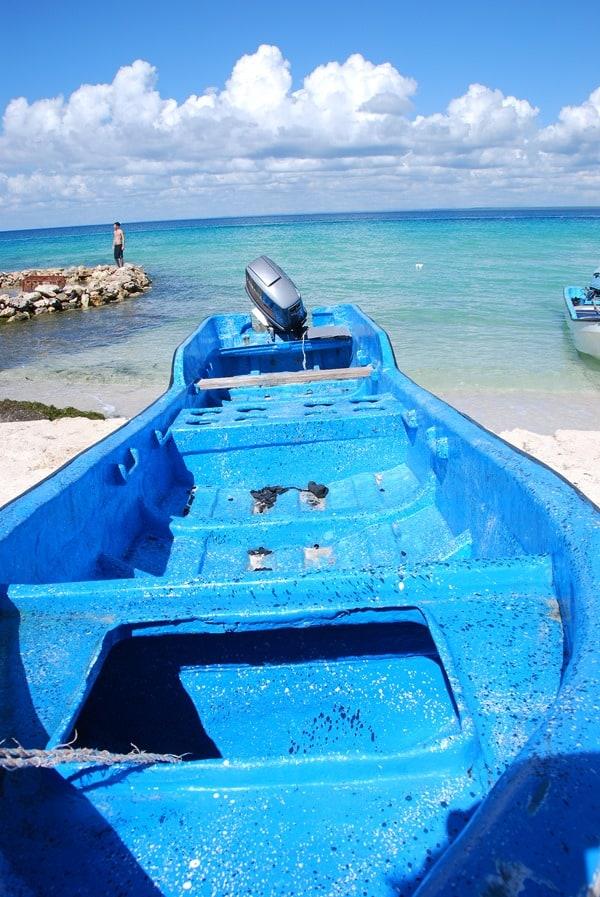 11_Boot-am-Strand-Saona-Beach-Dominikanische-Republik-Karibik