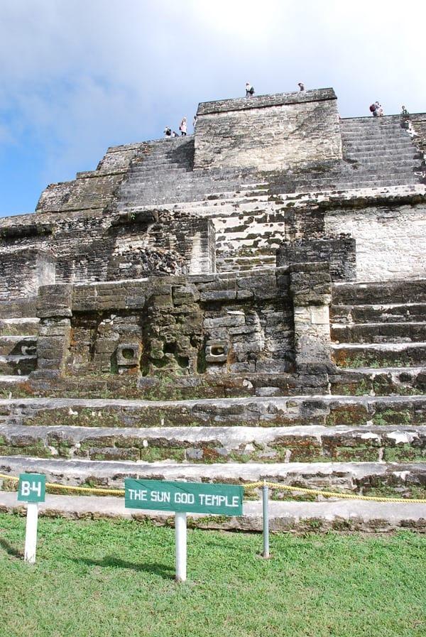 13_Altun-Ha-Sonnengott-Tempel-Maya-Belize