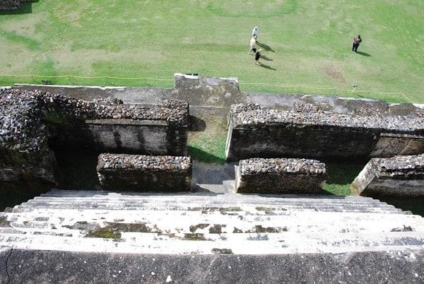 16_Blick-vom-Sonnengott-Tempel-Altun-Ha-Belize